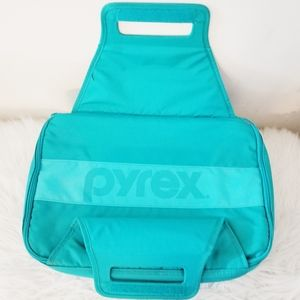 Pyrex tote without dish. Hot/cold pack included.